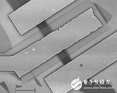 研究人员将采用这种具有2D通道的原型元件(来源:UC Riverside)