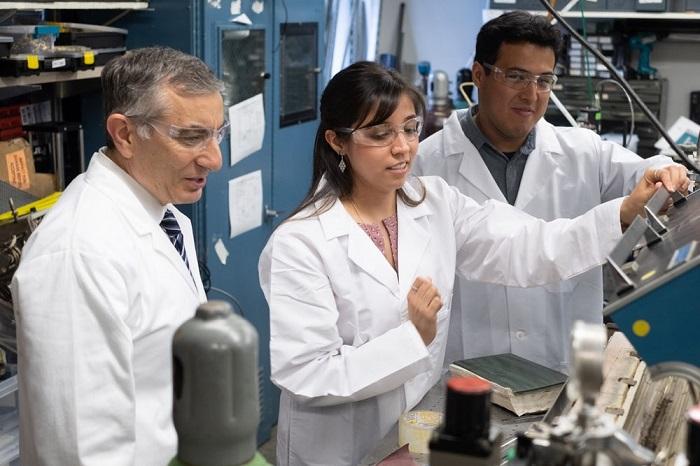锂电新突破:碳纳米管薄膜包覆阳极 电量提升3~5倍